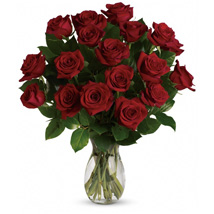 18 Red Roses Bouquet: Anniversary Gift Delivery in Australia