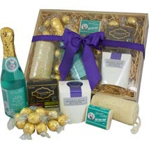 PAMPER HAMPER: Anniversary Gifts to Australia