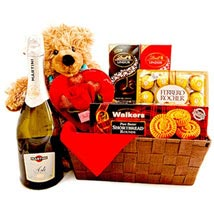 Dashing Romance: Gift Basket Delivery in Canada