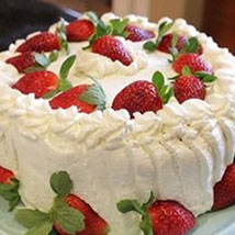 Luscious Strawberry Cake: Father's Day