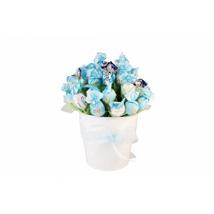 Blue sky sweet bouquet: Gifts to Denmark