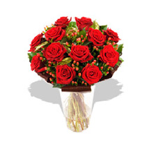 A Dozen Luxury Red Roses: Send Gifts to France