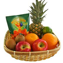 Our Fruity Gift Basket: Christmas Gift Hampers to Germany
