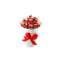 Endless Love Sweet Bouquet: Send Gifts to Hungary