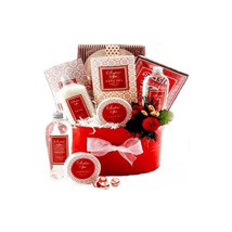 Strawberry Surprise: Diwali Gifts Indonesia