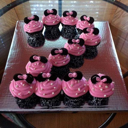 Cute Minnie Mouse Cupcakes 12 Eggless