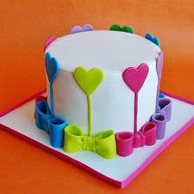 Colors Of Love Cake: Love N Romance Gifts