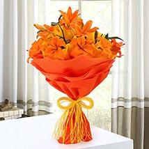 Descent Bouquet: Love N Romance Gifts