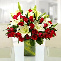 Majestic and Classic: Send Flowers to Delhi