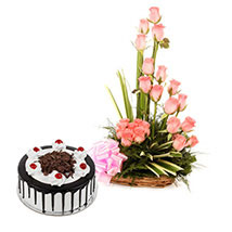 Pink Roses N Chocolate Treat: Cake with Bouquet