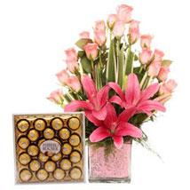 Pink Sweetness Reflected: Send Flowers to Delhi