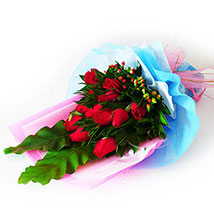 Exemplary Rose Bouquet: Valentines Day Flowers Malaysia