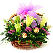 Romantic Basket: Send Anniversary Gifts to Malaysia
