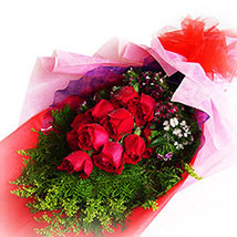 Roses to Remember: Christmas Gifts Delivery In Malaysia