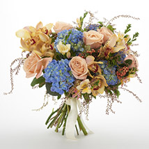 Bloom Seasonal Bouquet: Send Birthday Gifts to New Zealand