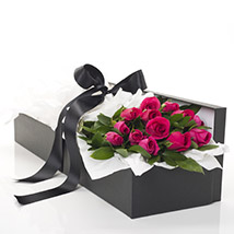 Pink Roses In A Box: Flowers to Hamilton
