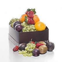 Season's Best Fruits: Send Birthday Gifts to New Zealand