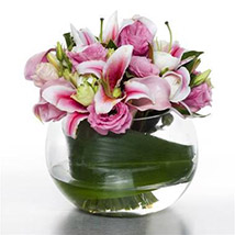 Serene Pink Posy: Send Birthday Gifts to New Zealand