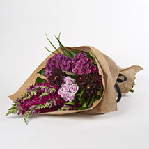 Soothing Violet Flowers: Send Birthday Gifts to New Zealand