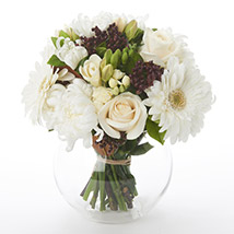 White N Green Posy: Send Flower Bouquets to New Zealand