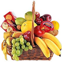Cheese Crackers n Fruit Basket oma: Oman Gift Delivery