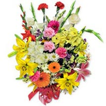 Deluxe Seasonal Bouquet pol: Send Gifts to Poland
