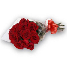 Bunch of 12 roses QAT: Gift Delivery in Doha