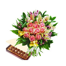 Burst Of Romance with Chocolates: Send Mothers Day Flowers to Qatar