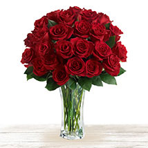 Majestic Red: Send Mothers Day Flowers to Qatar