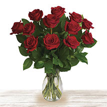 Red Classic Wonder: Send Mothers Day Flowers to Qatar