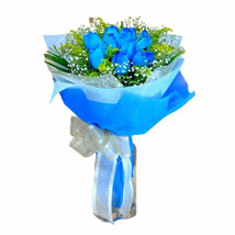 10 Blue Roses Hand Bouquet: Valentines day