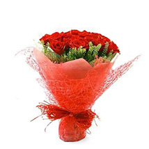 18 ruby red roses: Valentines day