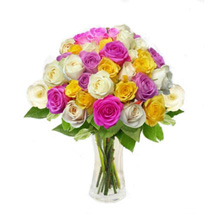 Mix Roses in Vase: Christmas Gift Delivery Singapore