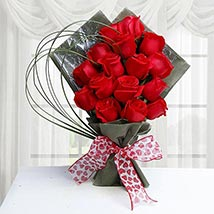 15 Red Roses Bunch: Valentines Day Flowers UAE