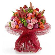 Alluring beauty: Same Day Bouquet in Abu Dhabi
