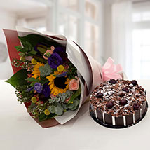 Alluring Flower Bouquet With Blackforest Cake: Send Flowers and Cakes to UAE