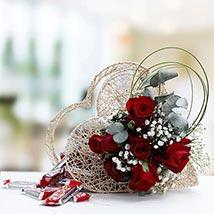 Applauding Luxury: Flowers N Chocolates