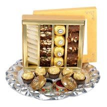 Assorted Sweet Thali UAE: Chocolates for Eid UAE