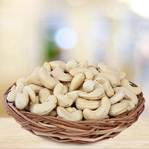 Cash on Cashews: Send Gift Hampers to Dubai