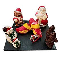 Christmas Chocolate Show Pieces: Christmas Gift Baskets to UAE