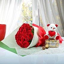 Cute Gift Hamper For U: Valentines Day Flower Bouquets UAE