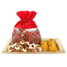 Delicious Bites Tray: Diwali Sweets to Sharjah