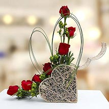 Emerald Beauty: Valentines Day Flowers to UAE