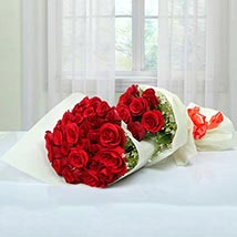 Exclusive Bouquet Of Roses: Valentines Day Flowers UAE