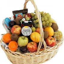 Full of Fruits: Christmas Gift Baskets to UAE