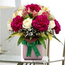 Gift Pack of Flowers: Thank You Flower Delivery in UAE