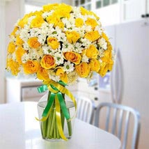 Glowing Beauty: Flower Arrangements to UAE