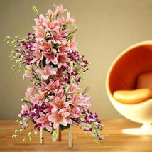 Grand Celebratory Bouquet: Wedding Gifts to UAE