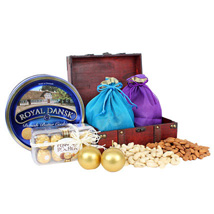 Healthy and Delicious Treasure Box: Gift Hampers to UAE
