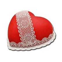 Heart Shaped Full Cake: Midnight Cake Delivery in UAE